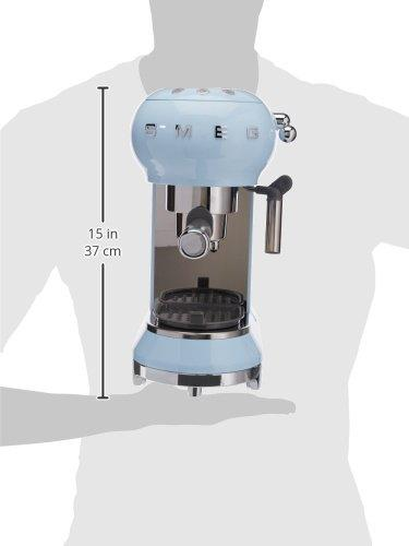 Smeg ECF01PBEU Coffe Machine